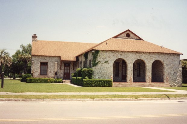 Alachua Woman_s Club building